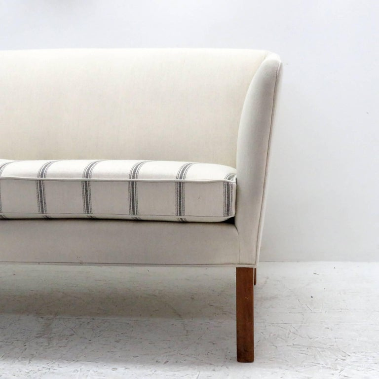 Ole Wanscher Settee, 1960 For Sale 3
