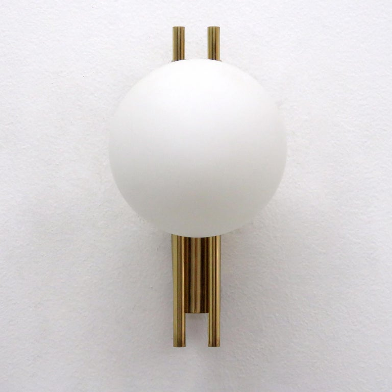 Mid-Century Modern Pair of Italian Globe Wall Lights, 1950 For Sale