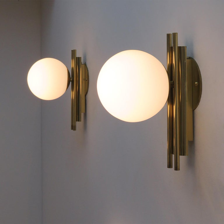Pair of Italian Globe Wall Lights, 1950 For Sale 4