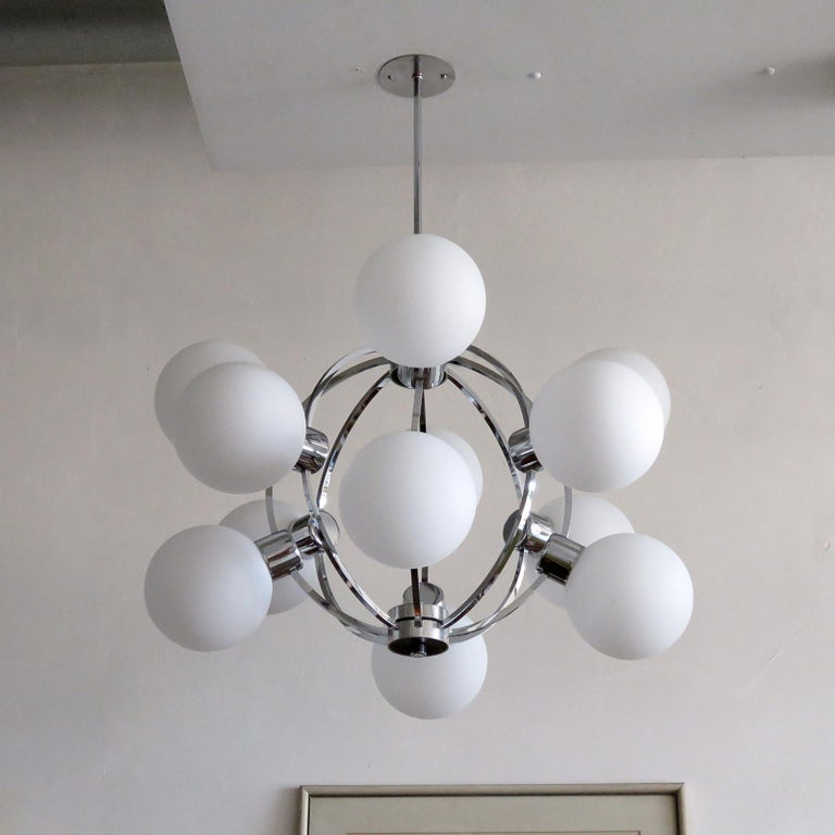 German XL-Atomic Chandelier, 1970 In Excellent Condition For Sale In Los Angeles, CA