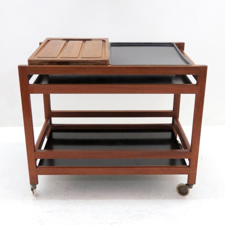 Børge Mogensen Serving Cart, Model 5370 In Good Condition For Sale In Los Angeles, CA