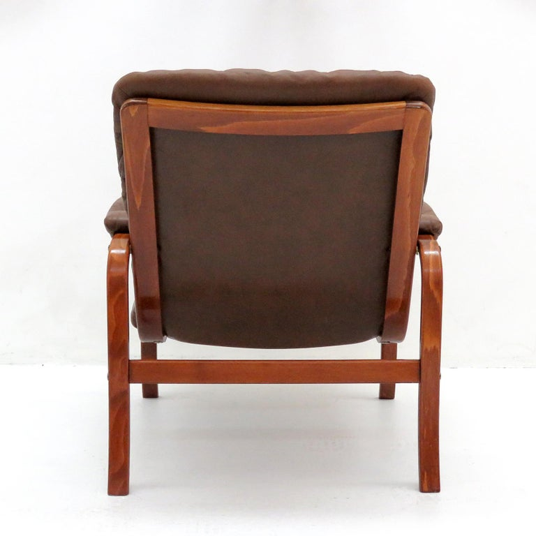 Swedish Bentwood Leather Chairs by Göte Möbler Nässjö For Sale 2