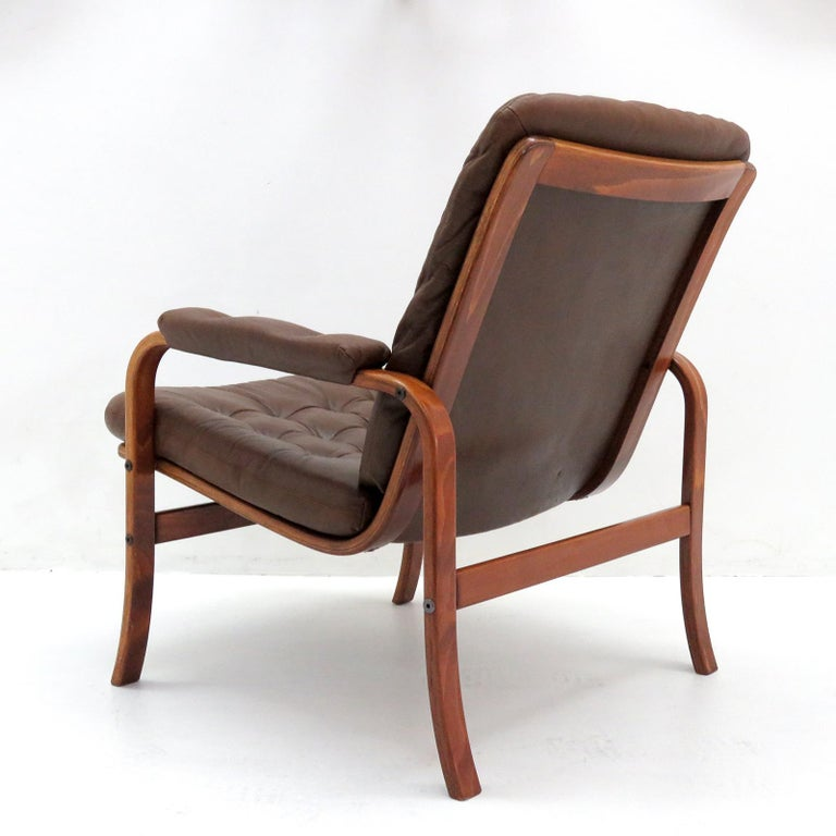 Swedish Bentwood Leather Chairs by Göte Möbler Nässjö For Sale 1