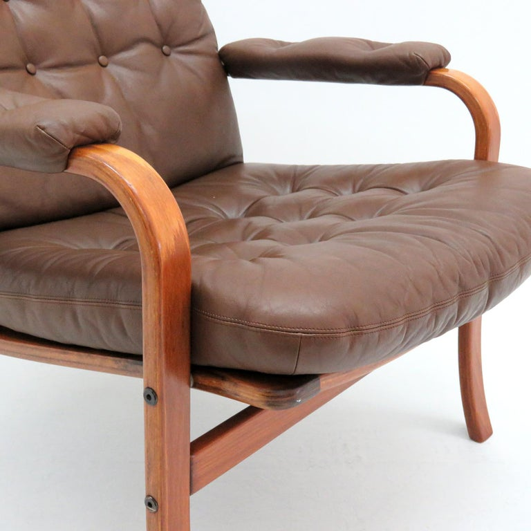 Swedish Bentwood Leather Chairs by Göte Möbler Nässjö For Sale 4