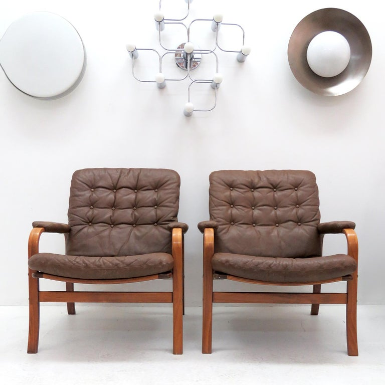 Swedish Bentwood Leather Chairs by Göte Möbler Nässjö For Sale 5