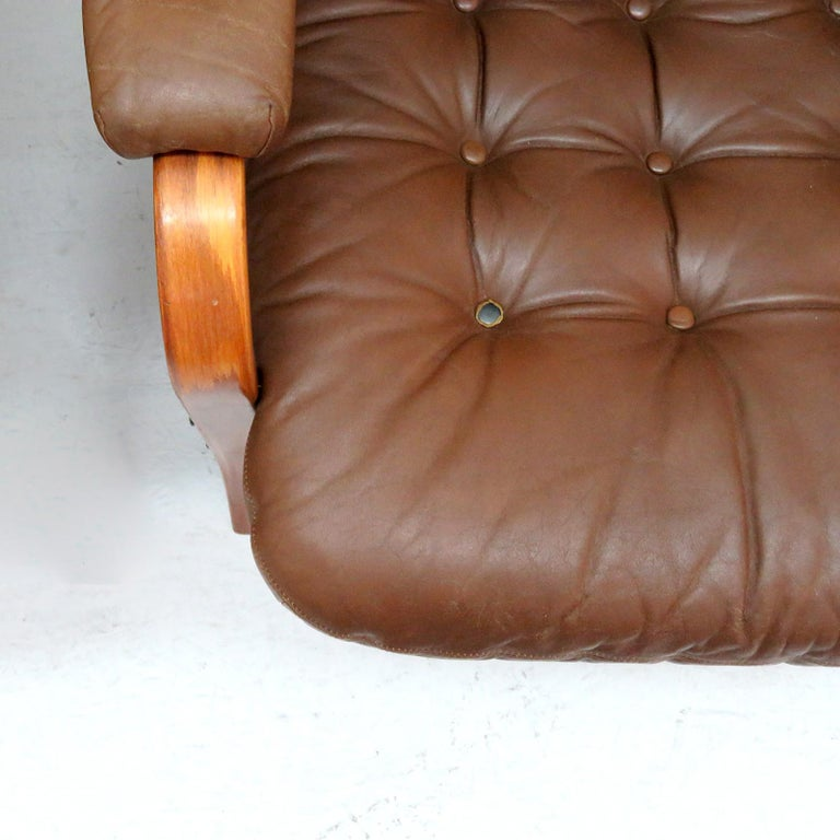 Swedish Bentwood Leather Chairs by Göte Möbler Nässjö For Sale 6