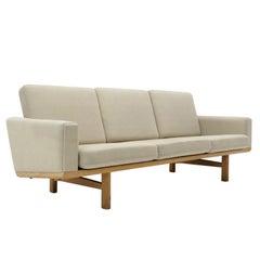 Hans J. Wegner Sofa Model GE-236/3