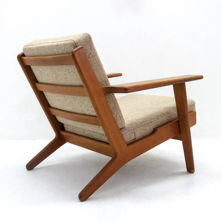 Hans J. Wegner GE 290 Lounge Chair In Excellent Condition For Sale In Los Angeles, CA