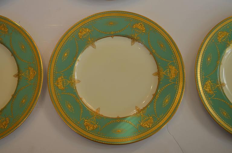 Edwardian Set of Eleven Royal Worcester Presentation Green Dinner Plates For Sale & Set of Eleven Royal Worcester Presentation Green Dinner Plates For ...