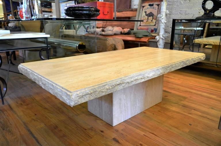 Italian Rectangle Travertine Coffee Table In Excellent Condition For Sale In Chicago, IL