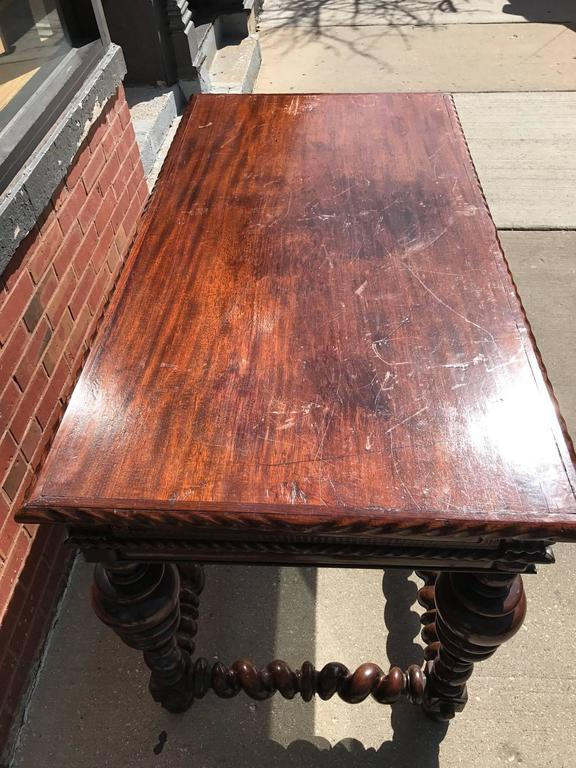 Portuguese Rosewood 18th Century  Library Center Table For Sale 4