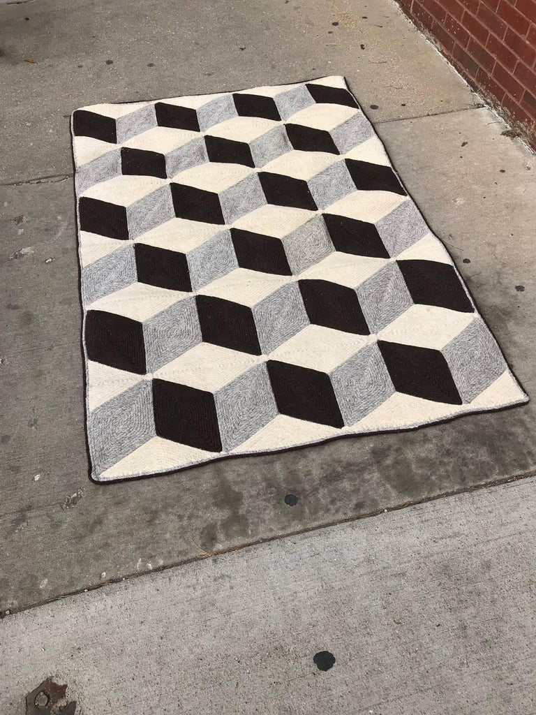 Graphic Tumbling Blocks Woven Jute Wall Hanging or Flat Weave Rug In Good Condition For Sale In Chicago, IL