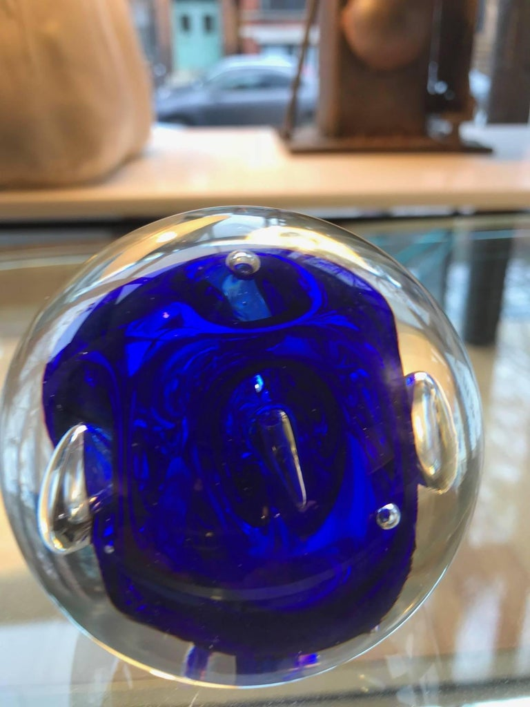 Murano Art Glass Round Paperweight with Cobalt Blue Inclusions In Good Condition For Sale In Chicago, IL