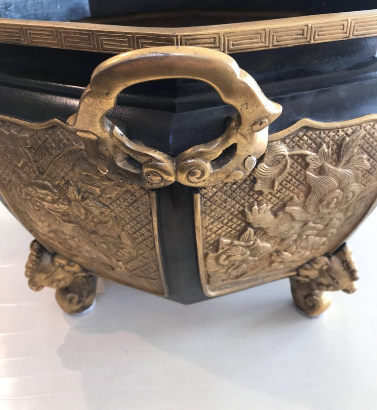 Fabulous Bronze and Gilt Jardinière In Good Condition For Sale In New York, NY