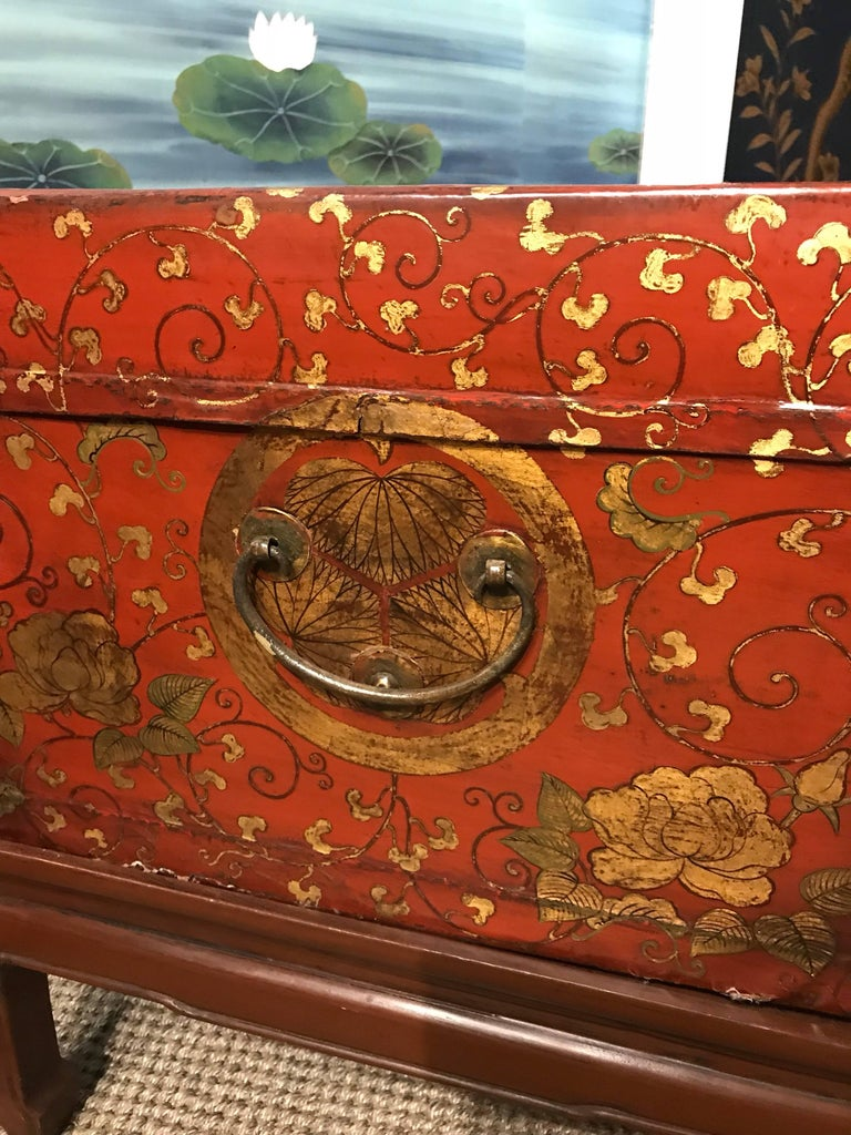 Early 20th Century Antique Chinese Leather Trunk with Gold Crests For Sale