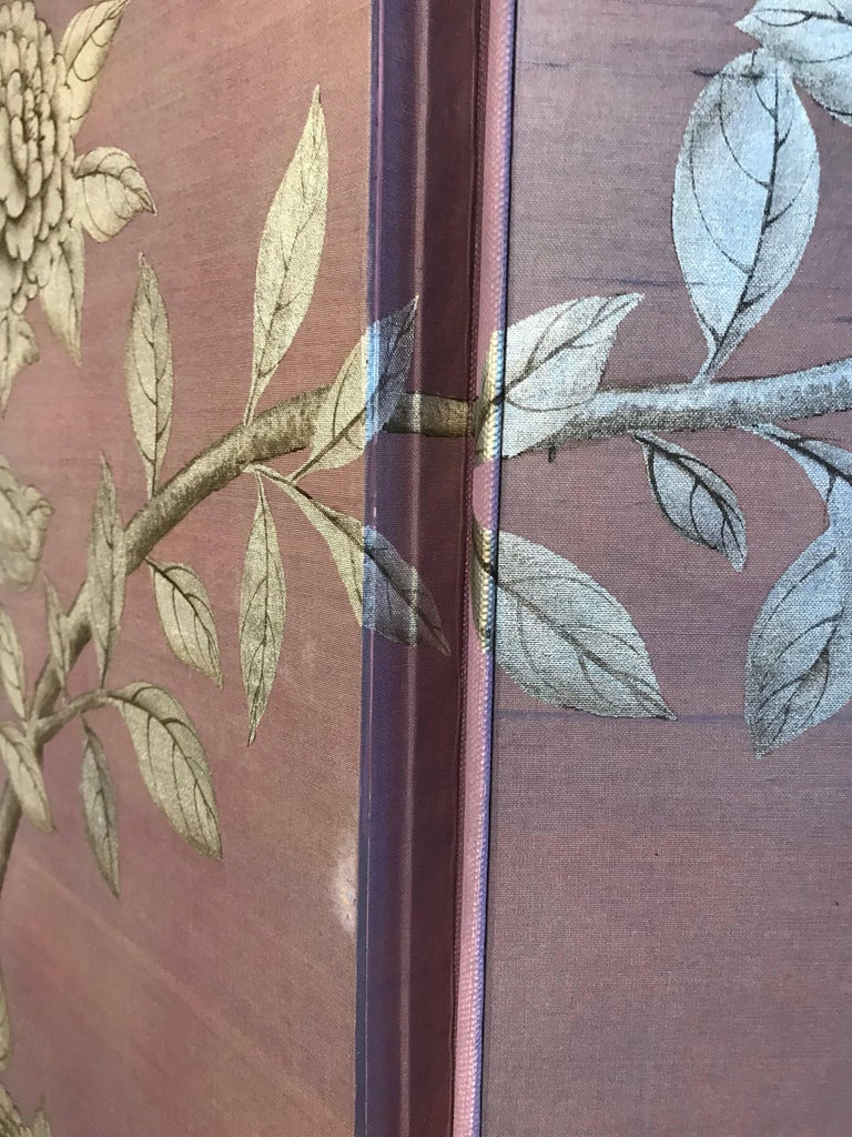 Gracie Silk Hand-Painted Screen with Silver Design In Good Condition For Sale In New York, NY