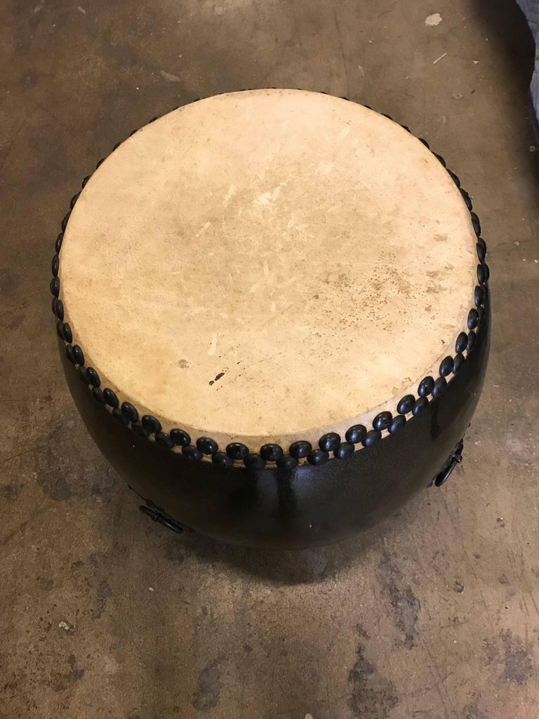 Large Japanese Lacquer Drum In Good Condition For Sale In New York, NY