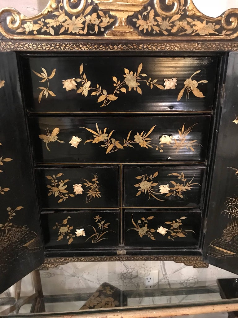 19th Century Black and Gold Lacquer Chinese Cabinet For Sale