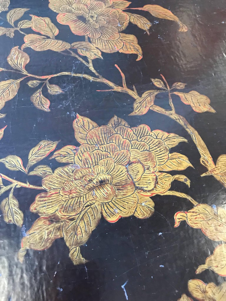 Mid-20th Century Pair of Chinoiserie Lacquer Side Tables For Sale
