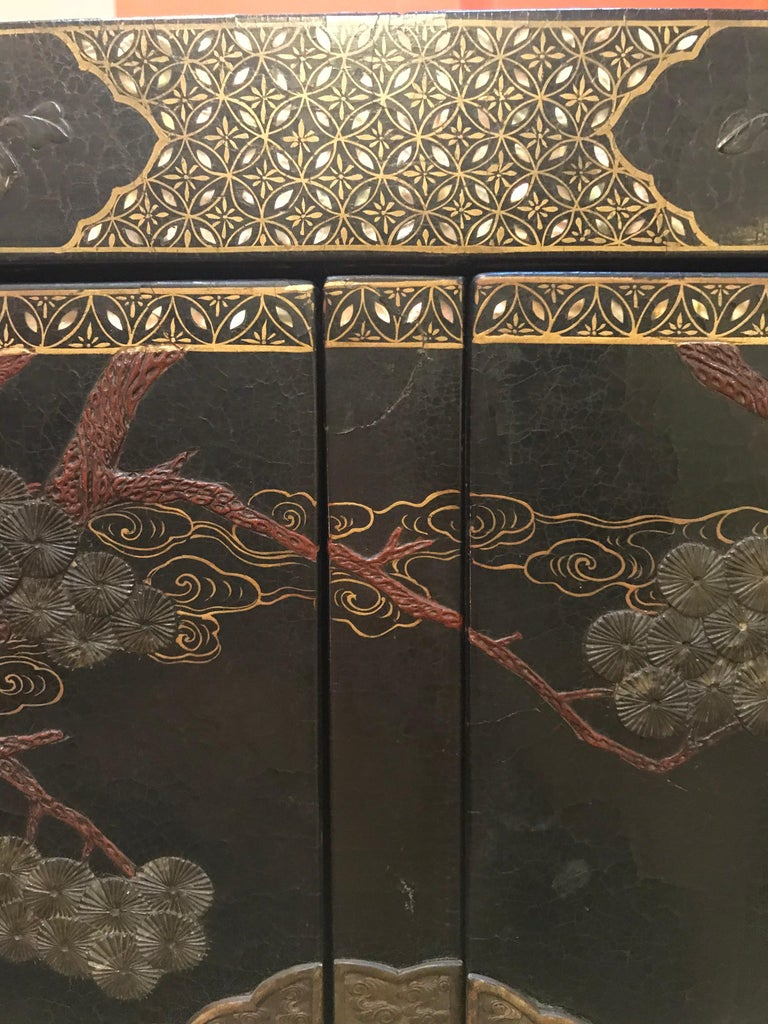 Pair of Embellished Chinese Lacquer Cabinets In Good Condition For Sale In New York, NY