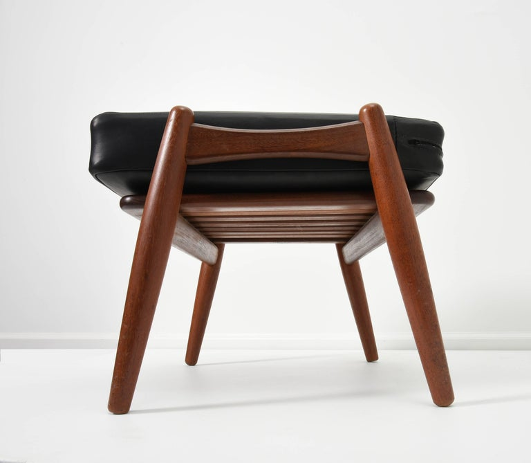 1950's Hans J. Wegner Ottoman for GETAMA In Excellent Condition For Sale In Houston, TX