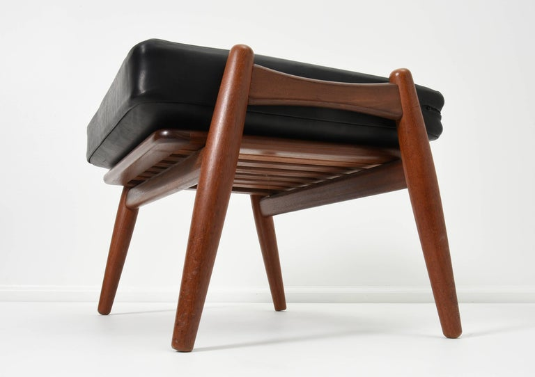 Scandinavian Modern Hans J. Wegner Ottoman for GETAMA, 1950s For Sale
