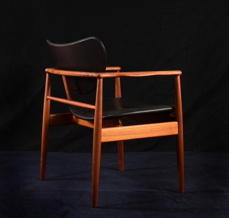 Leather Finn Juhl by Niels Vodder, Pair of Armchairs, Model NV48 For Sale
