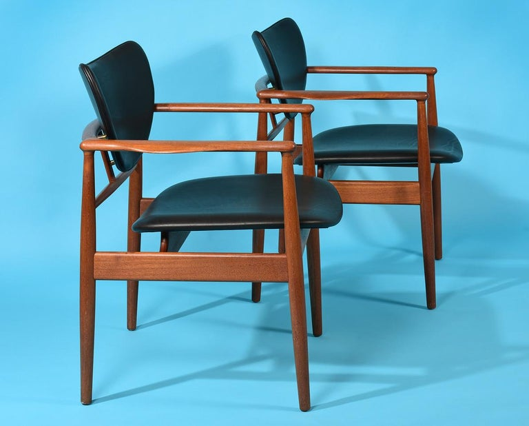 Pair of Finn Juhl armchairs, model NV-48.