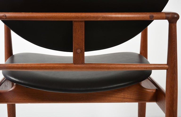 Finn Juhl by Niels Vodder, Pair of Armchairs, Model NV48 For Sale 3