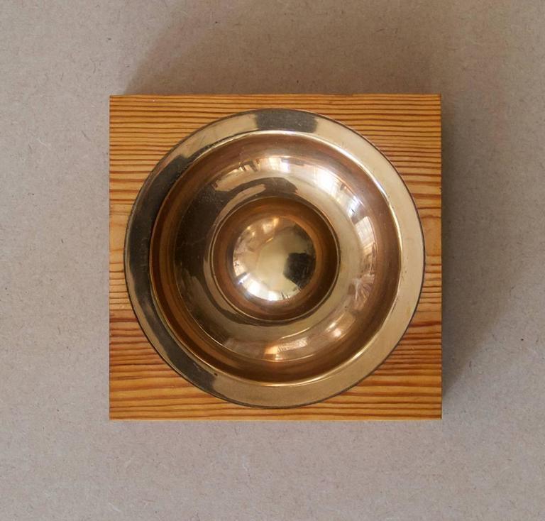 Bronze and pinewood bowl by Tapio Wirkkala, model TW 488, handmade to order.   Designed in 1958, originally manufactured in different sizes.  Kultakeskus Oy, Hämeenlinna, Finland, circa 1950s. Marked [KULTAKESKUS OY FINLAND TAPIO