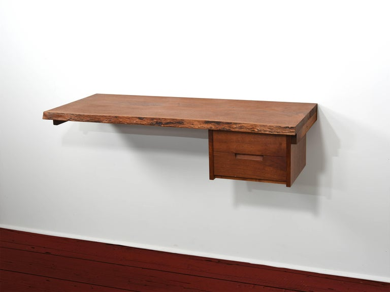 George Nakashima Studio Walnut Wall-Mounted Desk/Shelf In Excellent Condition For Sale In Houston, TX