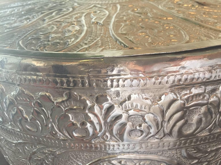 Drum Table with removable lid. Excellent storage piece