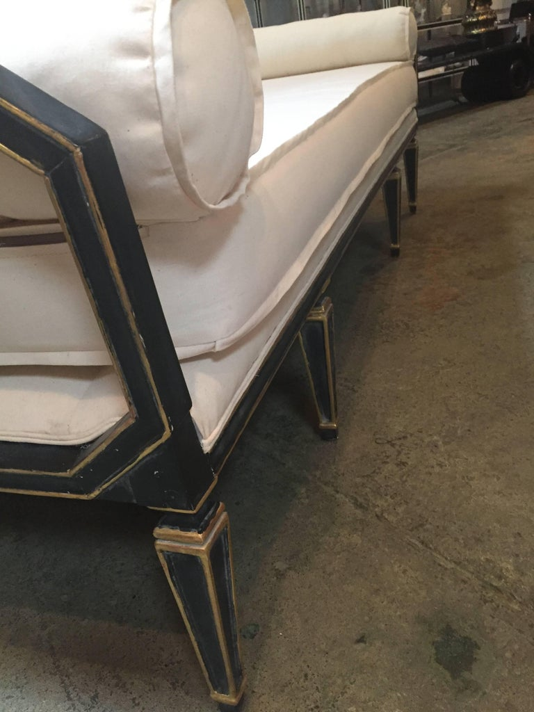 Neoclassical Style Daybed 3