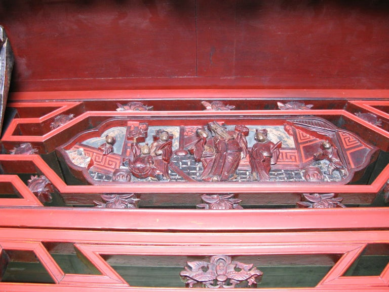 19th Century Chinese Lacquer Wedding Bed For Sale 1