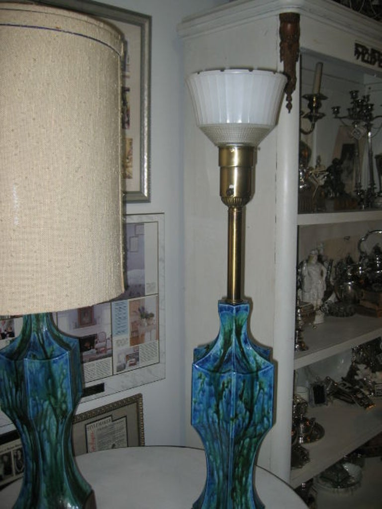 Pair of Midcentury Ceramic Lamps with Original Shades In Good Condition For Sale In Dallas, TX
