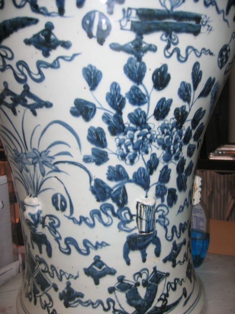 Hand-painted oversized temple jars. Foo dog on top of lid.