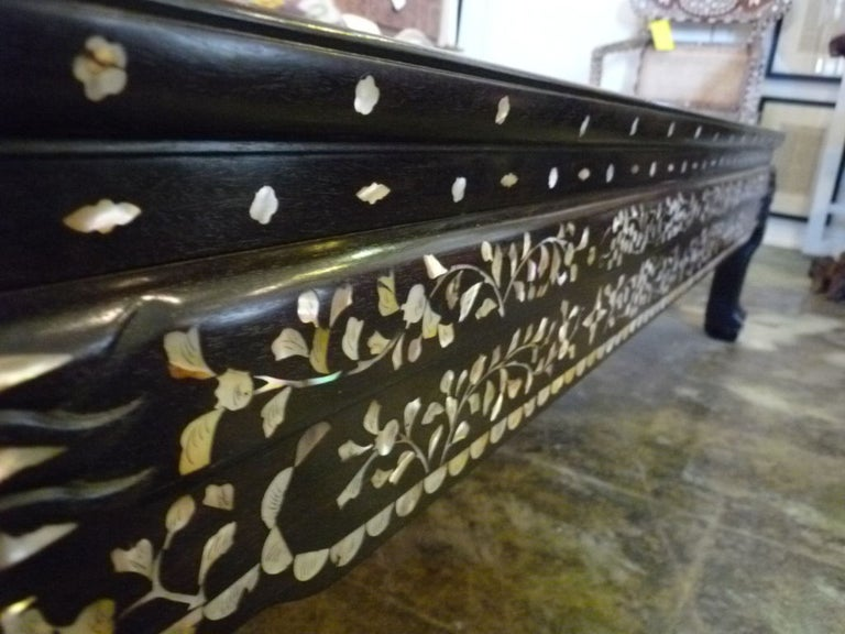 Chinese Mother-of-pearl Inlaid Coffee Table For Sale