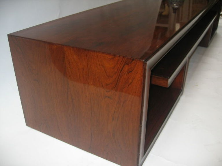 Mid-20th Century Paul Frankl Midcentury Rosewood Cocktail Table For Sale