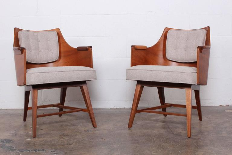 Mid-20th Century Rare Pair of Lounge Chairs by Edward Wormley for Dunbar For Sale