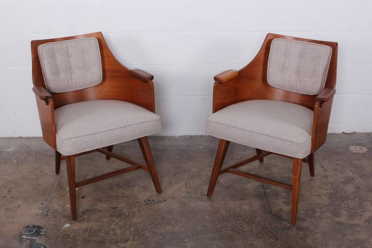Rare Pair of Lounge Chairs by Edward Wormley for Dunbar For Sale 1