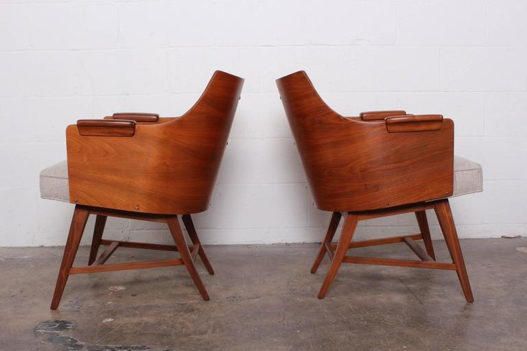 Rare Pair of Lounge Chairs by Edward Wormley for Dunbar For Sale 4