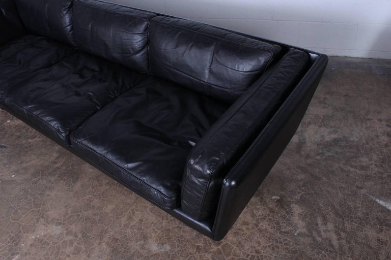 Leather V11 Sofa by Illum Wikkelsø 7