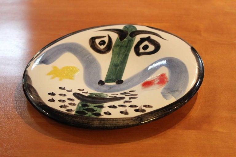 Pablo Picasso Face No. 130, Madoura, 1963 In Excellent Condition For Sale In Dallas, TX