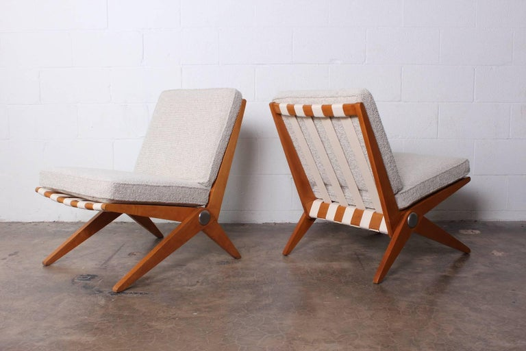 Pair of Knoll Scissor Chairs by Pierre Jeanneret In Good Condition For Sale In Dallas, TX