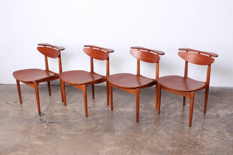 Rare Set of Four Chairs by Finn Juhl In Excellent Condition For Sale In Dallas, TX