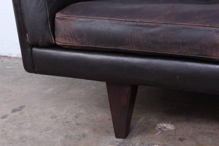 Leather V11 Sofa by Illum Wikkelsø For Sale 4