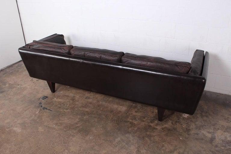 Leather V11 Sofa by Illum Wikkelsø For Sale 10