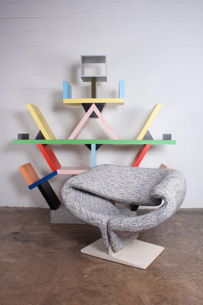 Ribbon chair designed by Pierre Paulin for Artifort. Fully restored.