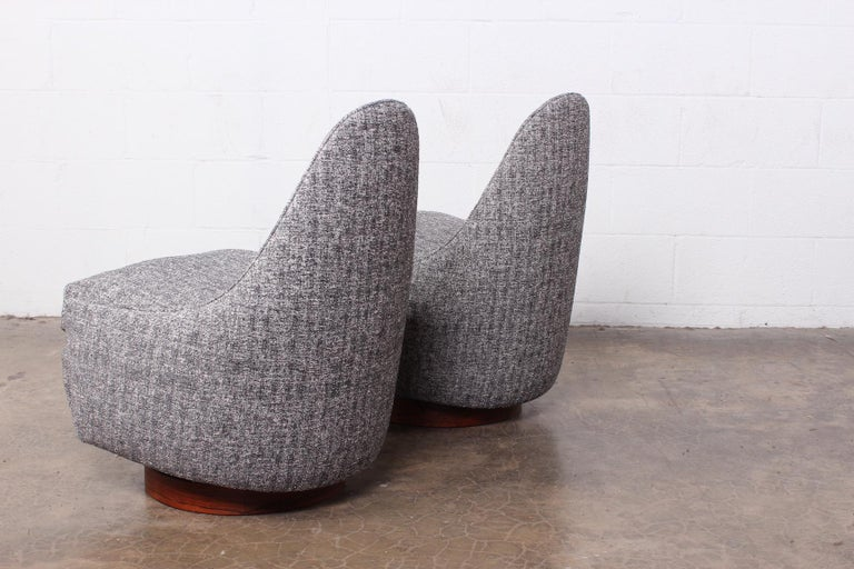 Pair of Petite Rocking Swivel Chairs by Milo Baughman For Sale 7