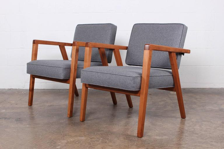 Mid-20th Century Pair of Lounge Chairs by Franco Albini For Sale